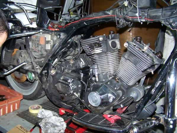d pose des culasses et des cylindres d un moteur 1340 harley davidson kaz biker. Black Bedroom Furniture Sets. Home Design Ideas
